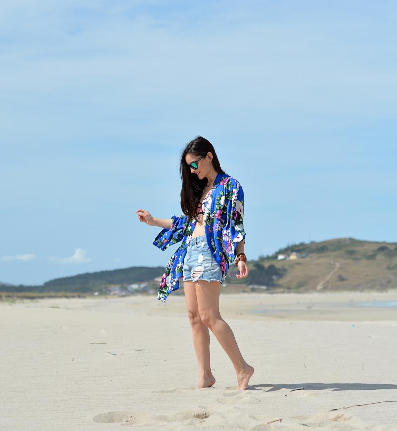 zara_choies_shorts_kimono_triangl_bikini_03