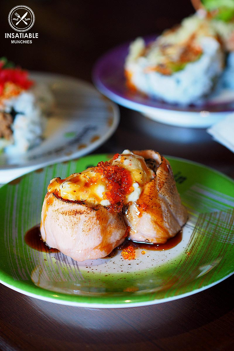 Sydney Food Blog Review of Sushi Train, Neutral Bay: Seared Salmon with Flying Fish Roe