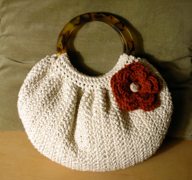Crochet Bag Pattern For Beginners : FAT BOTTOM BAG CROCHET PATTERN Crochet For Beginners
