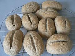 Rolls with unripe spelt grain 2