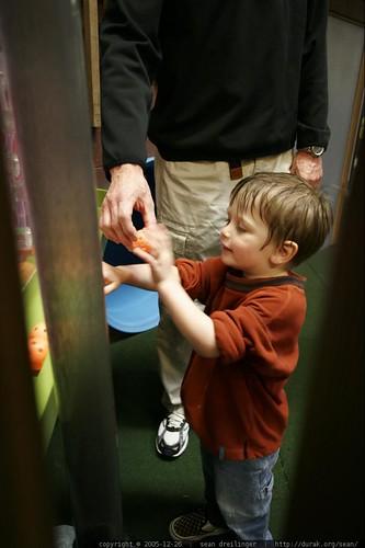 2005-12-26, portland children's museum, nic… _MG_1181.JPG