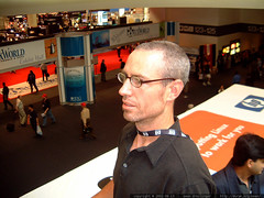 gleeco on the moscone escalator   dscf2305