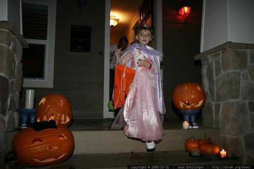 2005-10-31, halloween, lake oswego, trick o… _MG_8929.JPG