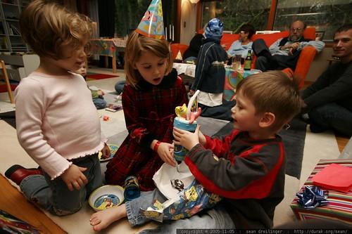 2005-11-05, birthday party, kids, three yea… _MG_9261.JPG