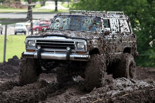 Monster Trucks Mud Slinging 4*4