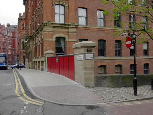 Canal Street / Sackville Street