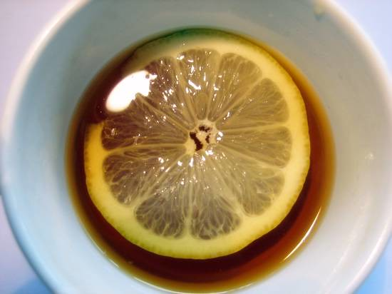 lemon in the cup