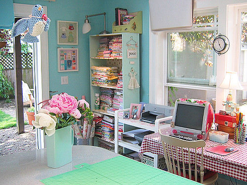 The Posie studio, repainted and reorganized at last!