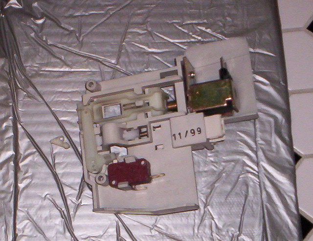 Door Latch Assembly Superceded For A Frigidaire