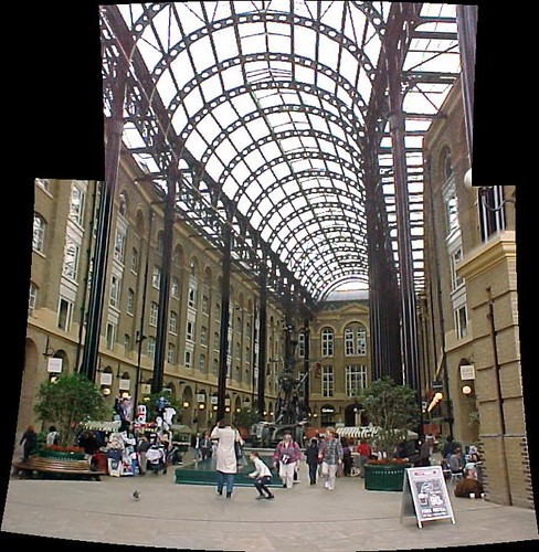 London : Hay's Galleria by Craig Grobler