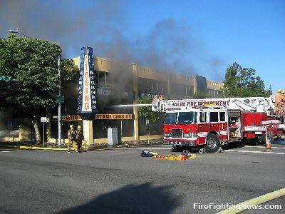 Mcmahon 39 S Furniture Fire Salem Fire Department Oregon Flickr Photo Sharing