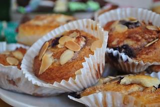 Berry almond muffins