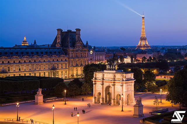 Arc de Triomphe du Carrousel & Tour Eiffel