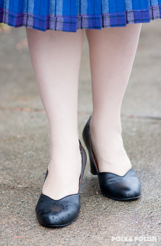 Black 1940s style reproduction pumps in Marilyn style from Royal Vintage Shoes