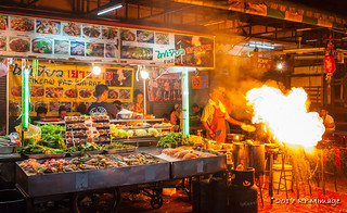 Anyone up for #ThaiFood ? Going to make a run.