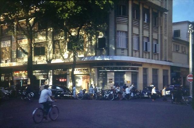 SAIGON 1953 - Intersection In Saigon - Ngã ba Nguyễn Huệ-Nguyễn Thiệp
