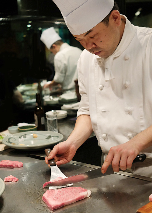 Dissecting the wagyu beef sirloin at Wakkoqu, Kobe, Japan