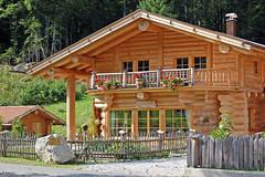 Zugspitzort Grainau - Ortsmitte (22) - Eigenheim im Blockhaus-Stil