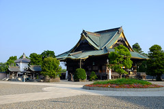 Morning at  Shinshō-ji