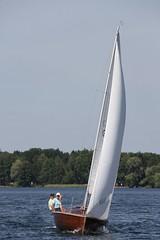 sailing ship(0.0), schooner(0.0), yacht(0.0), ship(0.0), proa(0.0), lugger(0.0), scow(0.0), yacht racing(1.0), sail(1.0), sailboat(1.0), sailing(1.0), sailboat racing(1.0), dinghy(1.0), keelboat(1.0), vehicle(1.0), sailing(1.0), sports(1.0), sea(1.0), skiff(1.0), mast(1.0), watercraft(1.0), dinghy sailing(1.0), boat(1.0),