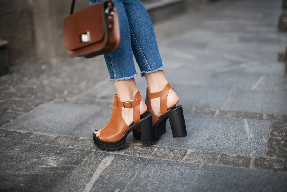 chunky-shoes-outfit-street-style