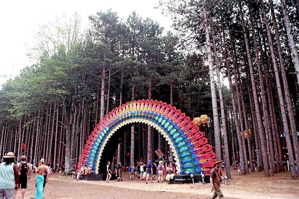 EF_Rainbow-Entrance