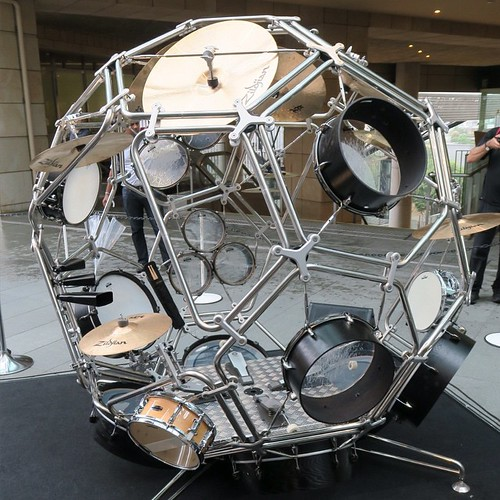 なんかちょっと月面探査機みたい。