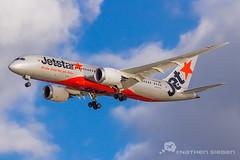 Jetstar 787 Dreamliner YBBN