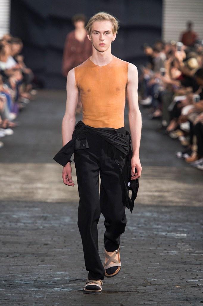 Dominik Sadoch3399_SS16 Paris Maison Martin Margiela(fashionising.com)