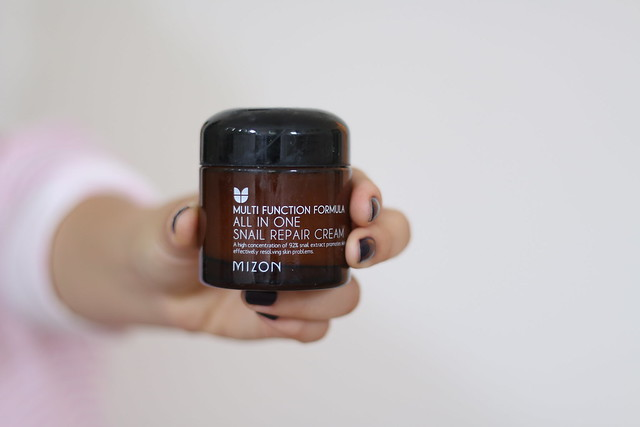simplyxclassic, beauty products, skincare routine, currently loving, beauty blogger, beauty guru, bblogger, mommy blogger, fashion blogger, serum, mizon, snail serum, asian, korean blogger,