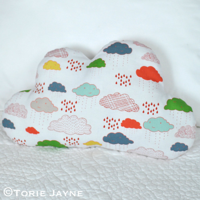 DIY Cloud shaped cushion