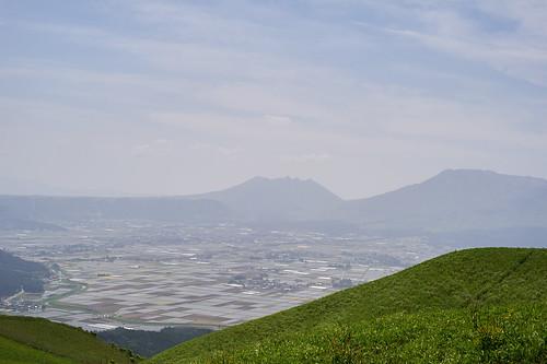 由大觀峰望向阿蘇火山