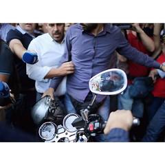 El adi�s de Varoufakis.   Un fot�n motard-pol�tico como hay pocos, para el recuerdo.  (foto de Getty)