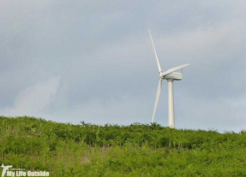 P1130712 - Wind Turbine, Bryn-bach-Common