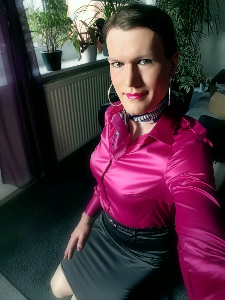 leigh milfs dating site Hairy pride is the dating site for all hairy single lovers out there at hairy pride we have a collection of male and female singles who are hairier than your average.