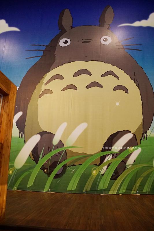18702671048 72105c2e18 c - 【台中西屯】東京雜貨樂園.2F龍貓咖啡館-被龍貓包圍的幸福裝潢.喝杯龍貓咖啡.親子咖啡館餐廳.逛逛史努比kitty布丁狗多拉ㄟ夢米奇拉拉熊蛋黃哥老皮的生活精品雜貨玩具
