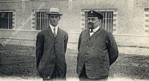 Wilbur Wright and Leon Bollee before the Establishments Leon Bollee at Le Mans