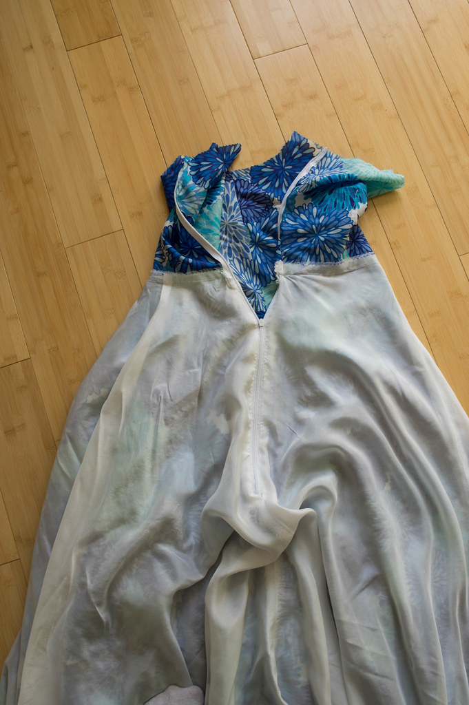 Sewing Faille: Tutorial: How to insert a hand-picked side ...