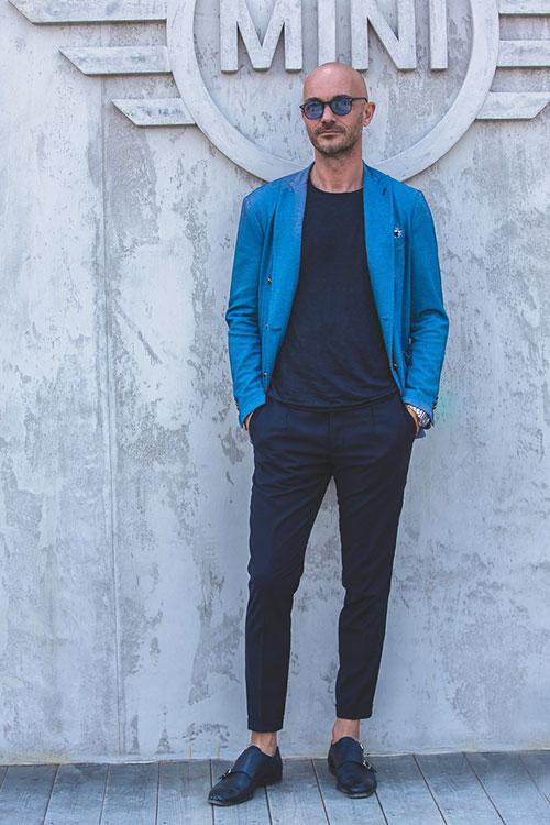 青ダブルブレストジャケット×紺スラックス×黒ダブルモンクストラップ
