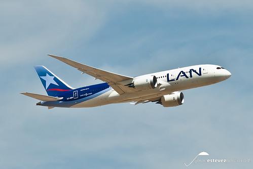 LAN Boeing 787-8 Dreamliner (CC-BBH)