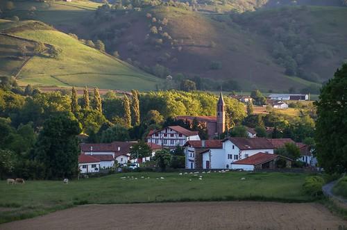 Ossès - Vue sur le village