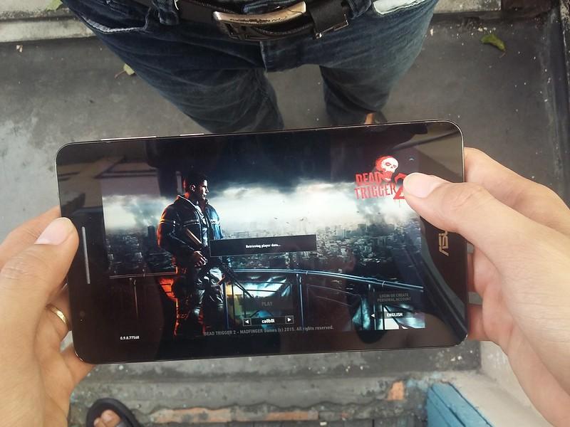 Trải nghiệm chơi game giải trí cùng Asus Fonepad FE171CG - 85096