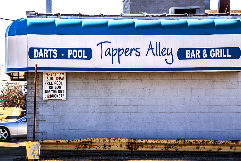 Tappers Alley BAR n GRILL--Redford