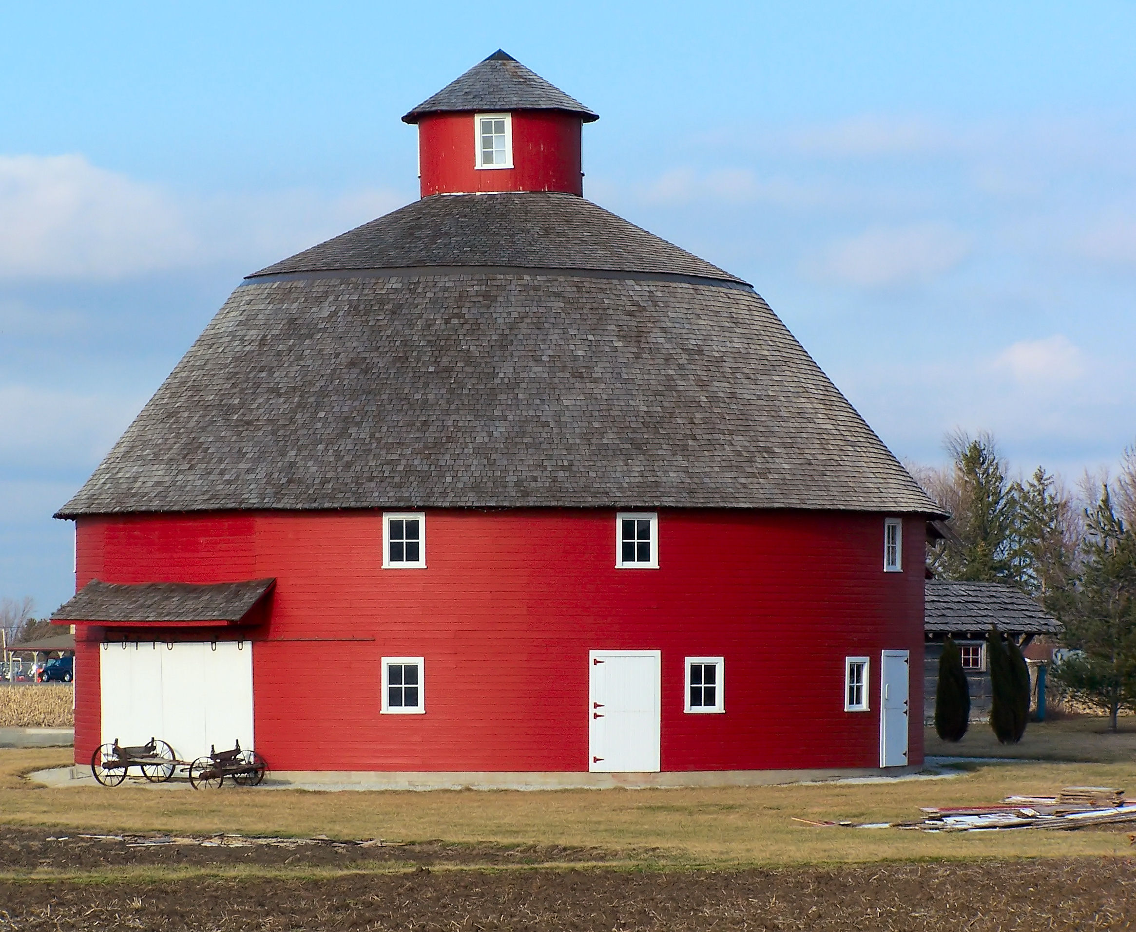 Lovely round barn flickr photo sharing for Barn house indiana