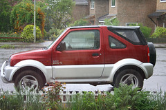 sport utility vehicle(0.0), city car(0.0), automobile(1.0), automotive exterior(1.0), mini sport utility vehicle(1.0), vehicle(1.0), compact sport utility vehicle(1.0), land vehicle(1.0),