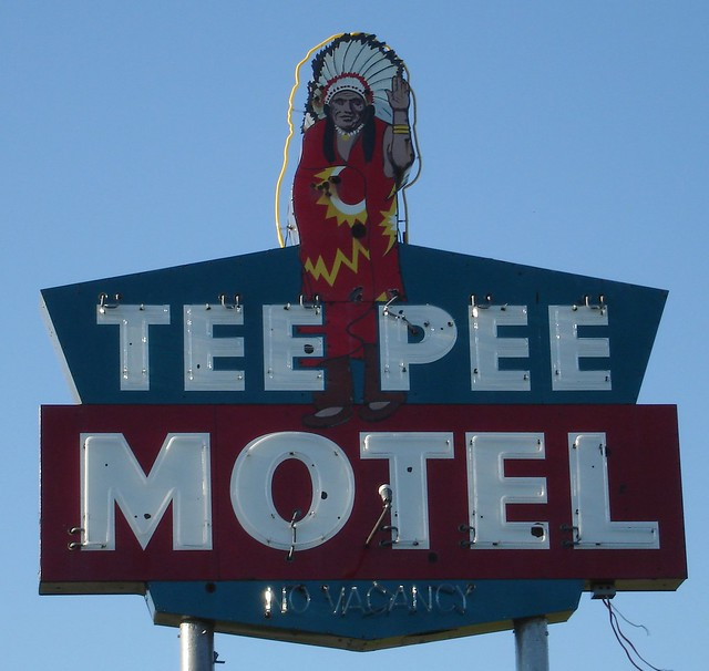 Wharton, TX - Tee Pee Motel - Roadside