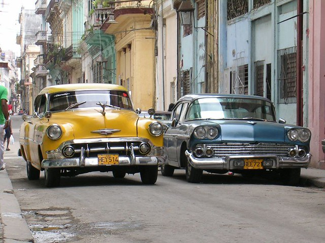 Classic cars, Havana old town