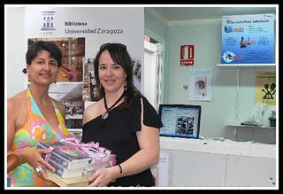 Entrega del lote de libros a la ganadora de nuestro concurso