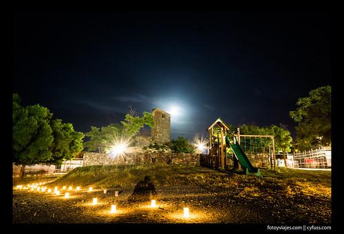 Parque de juegos en la noche