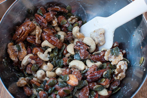 mesquite-nuts-mixing